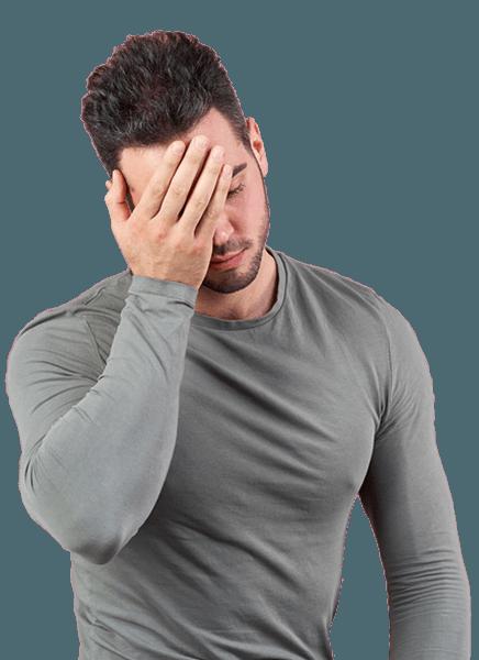 Migren ağrısı çeken genç bir delikanlı